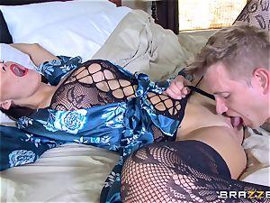 cuckold wifey Peta Jensen cooch thrashed by Bill Bailey