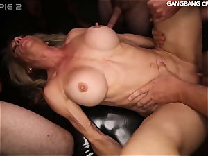 sport milf knows how to drill and deep-throat at the group sex