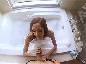 Chloe Amour screwed after a bathtub