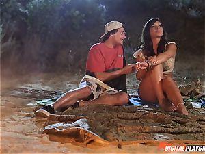 Night time vulva thrashing fate Dixon on the beach