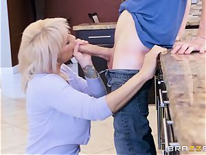 was seduced by his girlfriend's lascivious mom