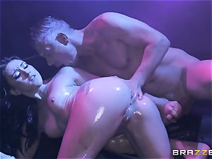 Mandy Muse rump pounded deep by Mick Blue