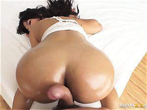 meaty arse Rose Monroe lubed up and analled