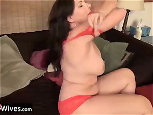 USAwives uber-sexy Mature gals Solos Compilation