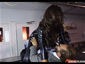 choking honies Amirah Adara and Ava Koxxx take yam-sized meatpipe down the jaws