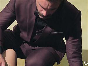 Jessa Rhodes humped by draped insane guy Charles Dera