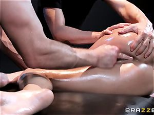 man meat kinky Peta Jensen gets shafted from both ends