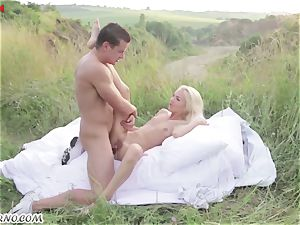 Victoria Puppy - naked hotty in nature