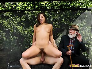 funny situation of coochie stuffed daughter-in-law and her grandpa witnesses at bus stop - Abella Danger and Bill Bailey