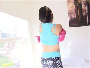 OPERACION LIMPIEZA - Latina maid rails chisel to facial cumshot