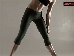 Razdery Noga in taut yoga trousers