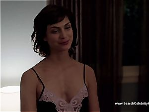 epic Morena Baccarin looking super-sexy bare on film