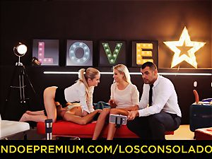 LOS CONSOLADORES - flawless blondies sixty nine in gang hook-up