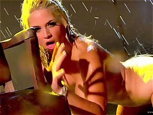Sarah Vandella reveals her purrfectly lush bra-stuffers