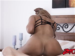 gimp mummy Mercedes Carrera wedged with massive man-meat