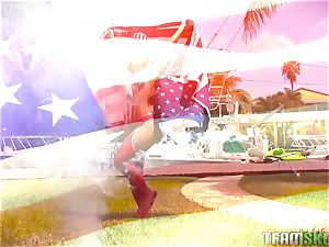 american sweetie Kelsi Monroe banged outside