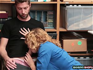 successful dude bangs Officer Krissy Lynns wet poon by exchange for his freedom