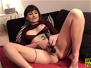 Fingerfucked slave breezy disciplined by her male domination