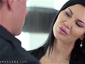 NuruMassage brit mummy Jasmine Jae seduces Cop