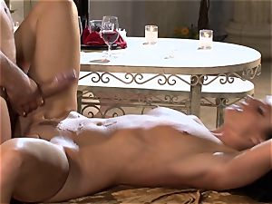 India Summers India Summers is loving the large man meat pleasuring her sizzling honeypot har