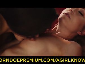 A doll KNOWS - Susy Gala ravages molten lesbo with strap on dildo
