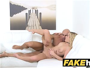 dame Agent Bodybuilder shoots his stream over her face