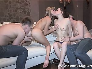 gfs have a excellent time sharing a chisel and internal cumshot