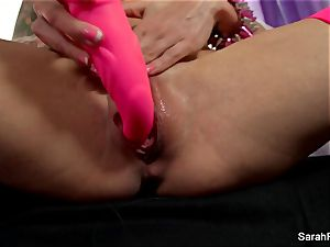 Sarah Jessie ravages herself with a pinkish plaything
