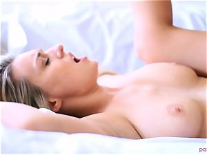 Boxing honey Natalia Starr finishes her workout in a different way