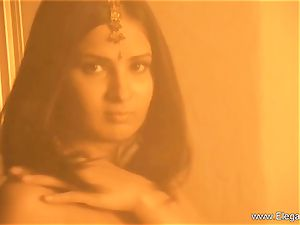 old school Indian hotty On flash