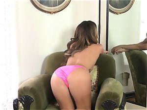 Keisha Grey manipulates her soft wet vulva