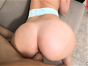 hotwife black-haired Daisy Stone banged in her muff