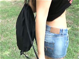 Valentina Nappi screws for money outdoors