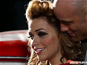 Racing sweetie Mia Malkova