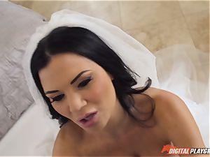Jasmine Jae is one steamy bride