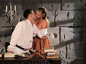 Fairytale babe Samantha Saint gets to pulverize her prince