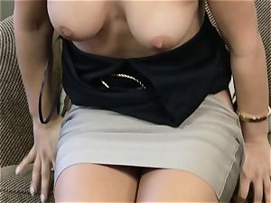 Eva Lovia pumping her pussy with a glass fuck stick