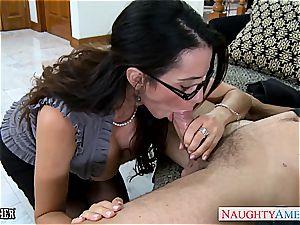 Ariella Ferrera has marvelous glasses and loves schlong