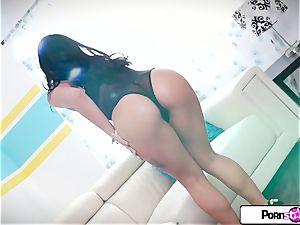 Gina Valentina finger explosion her lil' tiny raw fuckbox