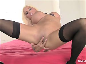 Russian cougar Nikita fingers her cock-squeezing poon
